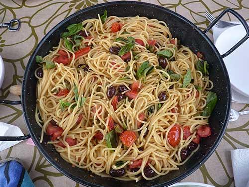 espaguetis-putanesca-500-375