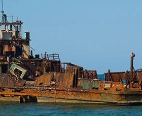 Hogsty Reef, arrecife de los barcos hundidos